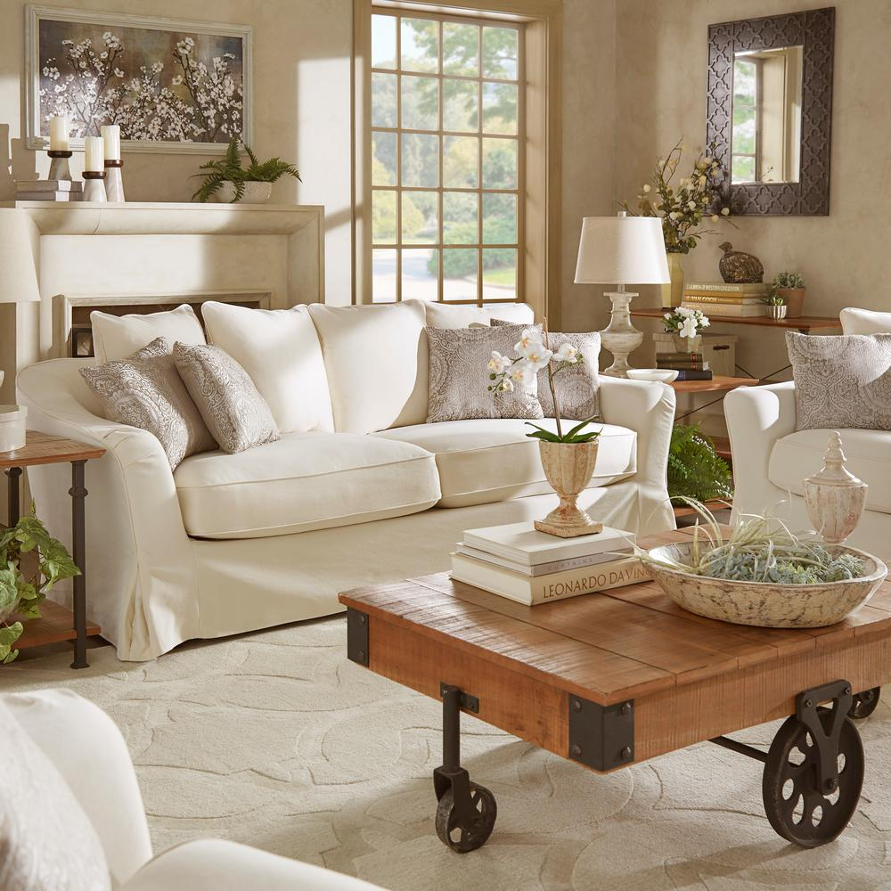 The Slipcover Outlet web site is dedicated to readymade slipcovers. We have large archive of tips and information to help you pick the right styles, sizes and colors.