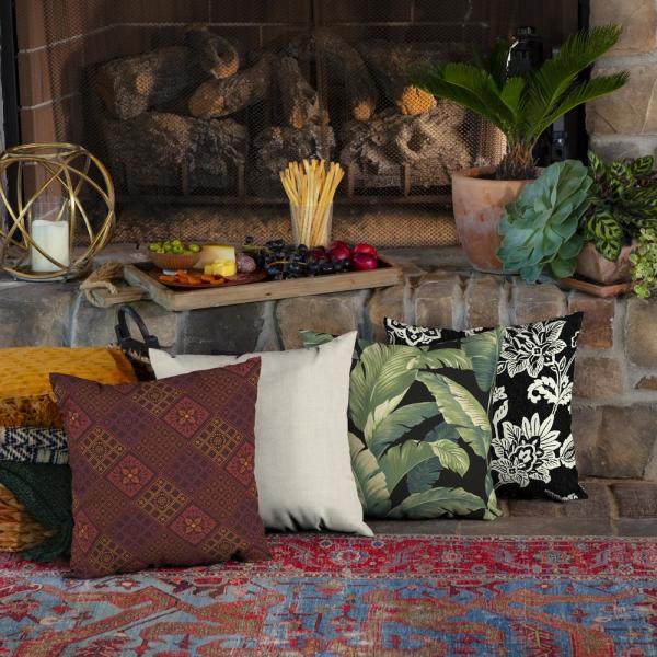 Arden Selections 16 In X 16 In Azulejo Southwest Outdoor Throw Pillow 2 Pack Tk0b554b D9z2 The Home Depot