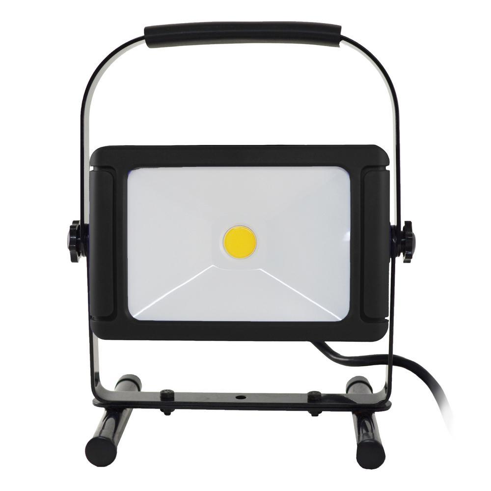 How Do Led Lights Work >> Stonepoint Led Lighting 5 000 Lumens Led Work Light With Usb Outlet