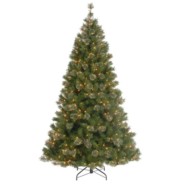 7-1/2 ft. Atlanta Spruce Hinged Artificial Christmas Tree with 550 Clear Lights