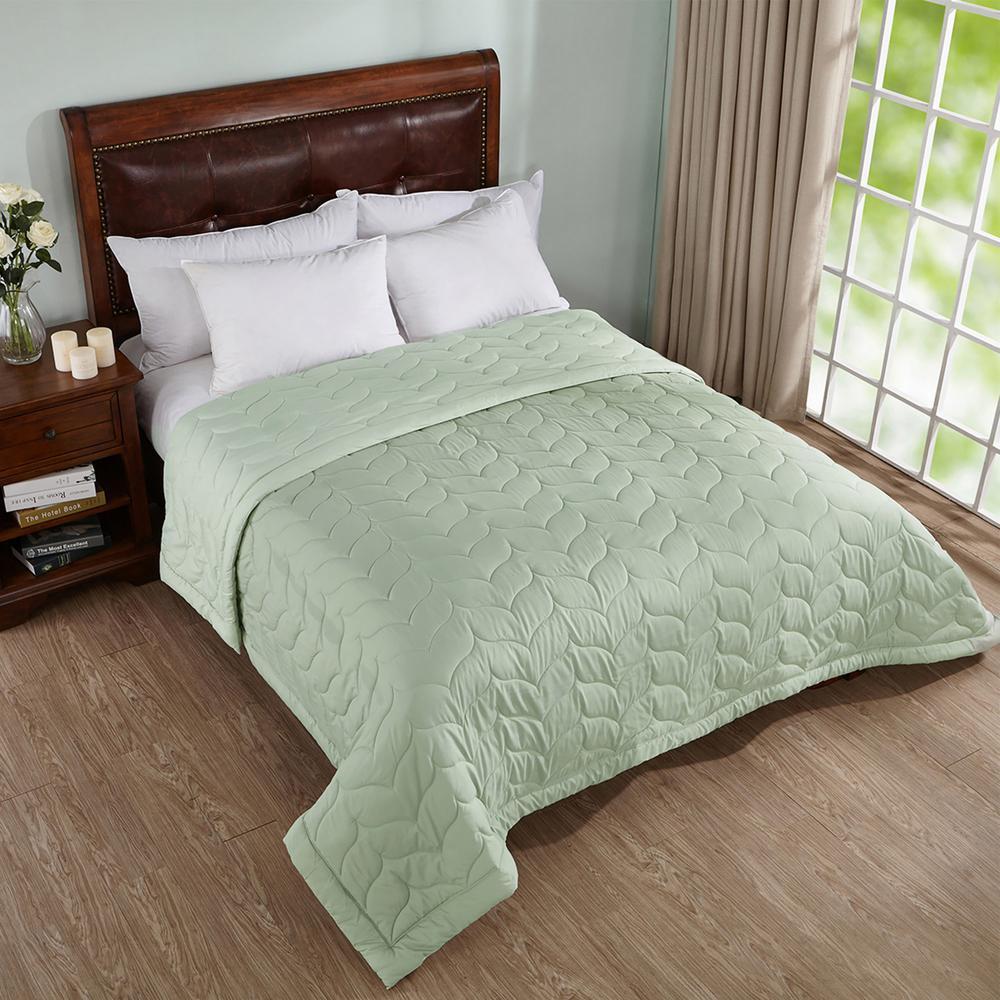 Dark Green Queen Reversible Down Alternative Quilted Blanket