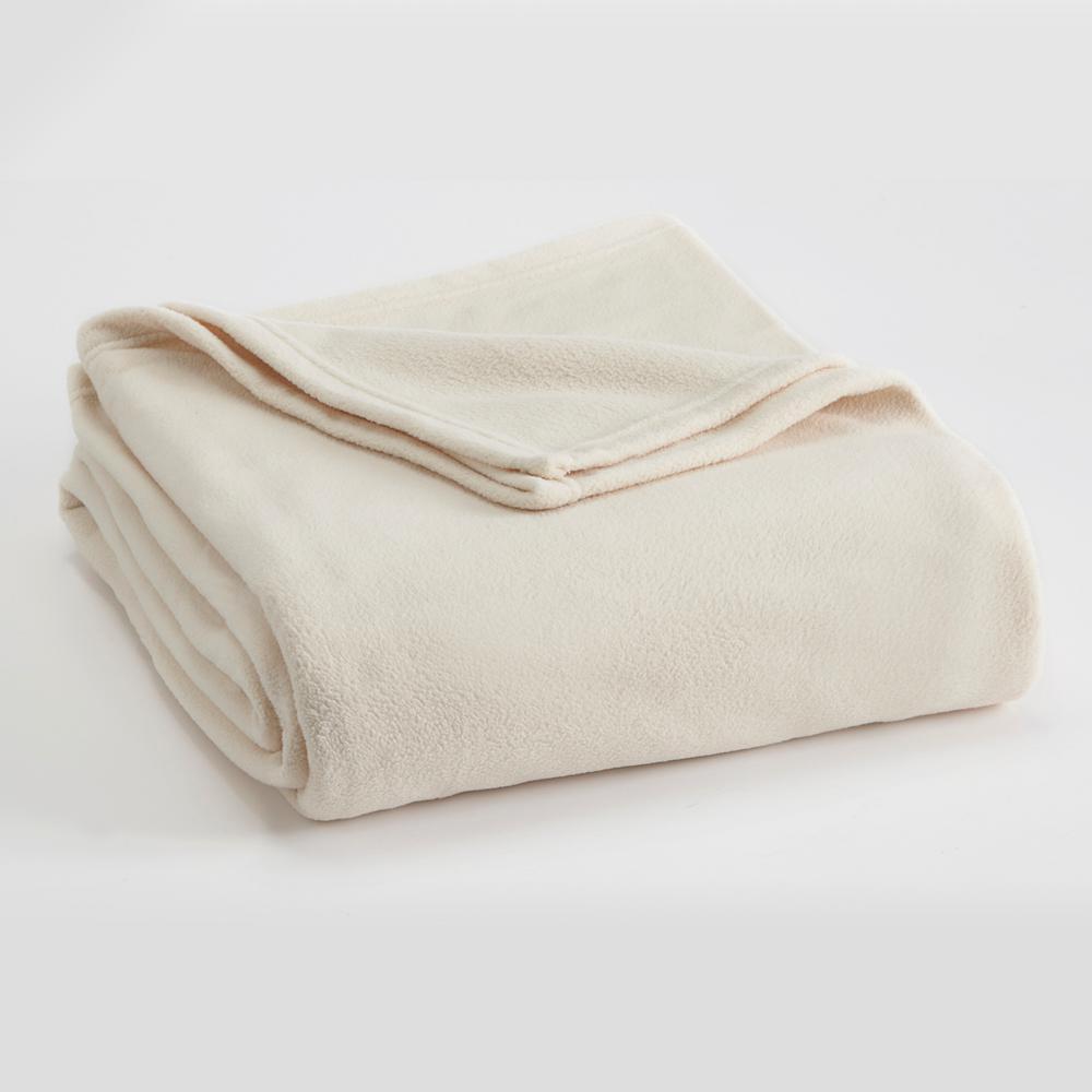 Microfleece Winter White Polyester Full/Queen Blanket