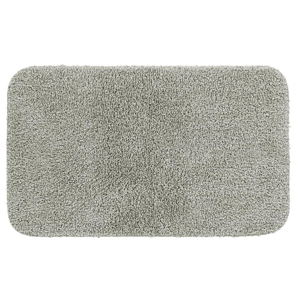 Basic Bath 19.5 in. x 32 in. Nylon Bath Mat in Gray