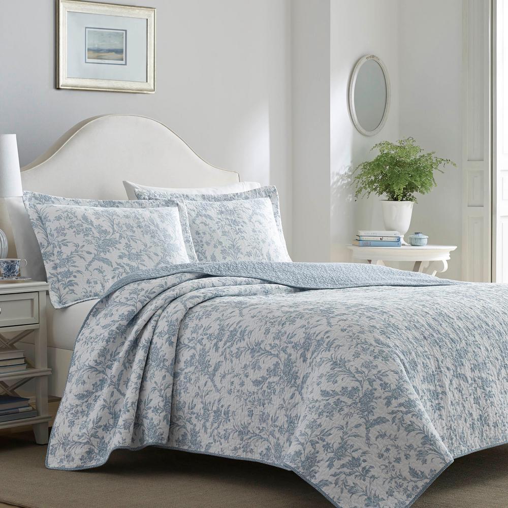 Amberley 3-Piece Soft Blue Floral Cotton King Quilt Set