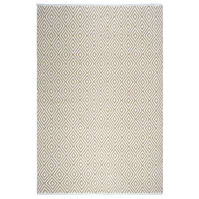 Veria Indoor/Outdoor Almond and White 4 ft. x 6 ft. PET Area Rug