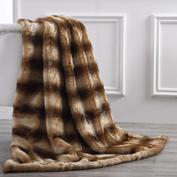 Amrapur Overseas Rabbit Acrylic Pv Fur Reverse To Flannel 50 in. x 60 in. Throw