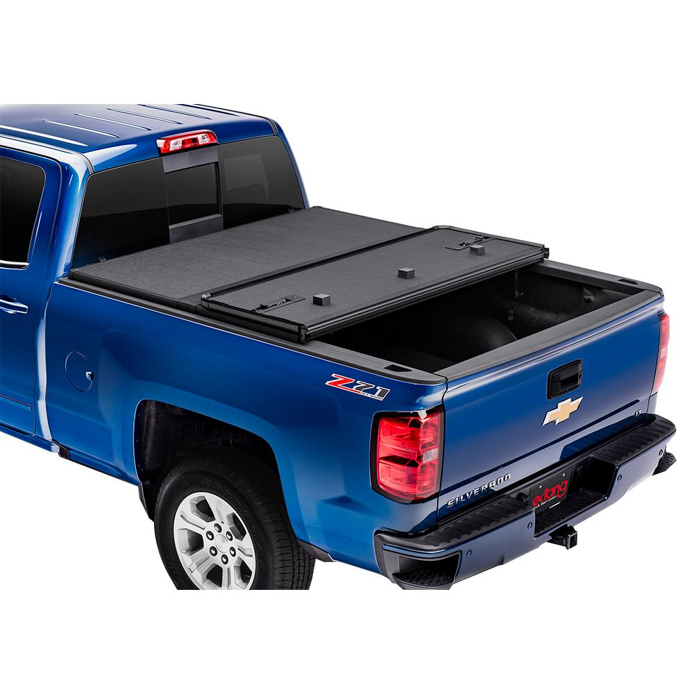 Extang Solid Fold 2 0 Tonneau Cover for 99-06 (07 Classic) Chevy  Silverado/GMC Sierra 8 ft  Bed