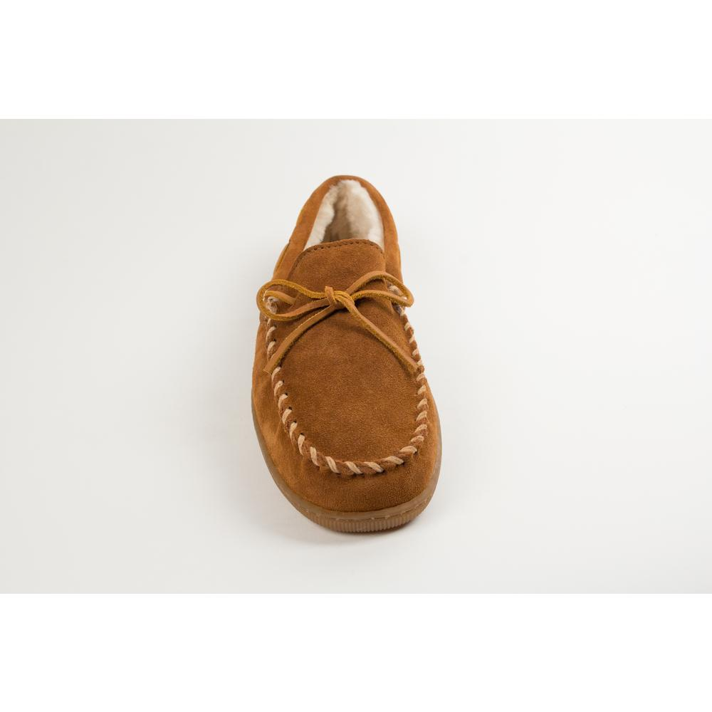 Minnetonka Men/'s Pile Lined Hardsole Brown Leather Moccasin Shoe 3902
