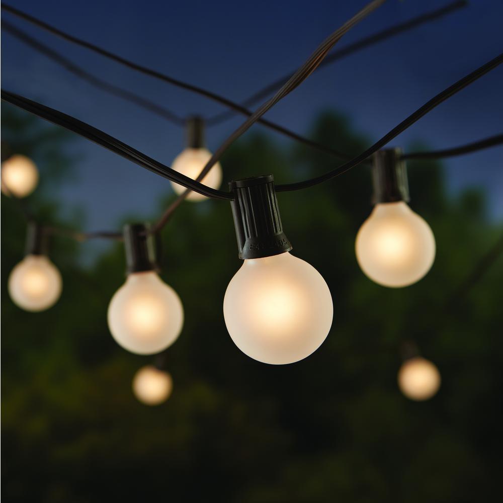 24-Light Cafe String Light-G40 Frosted