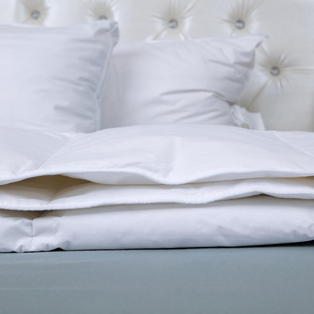 Light Warmth White Full/Queen Goose Down Comforter