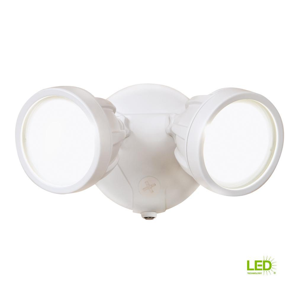 White Outdoor Integrated Led Round Twin Head Security Flood Light With Dusk