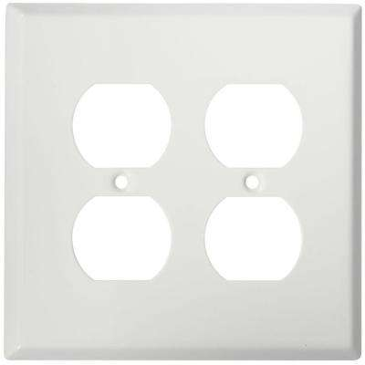 20-Amp Duplex Outlet - White