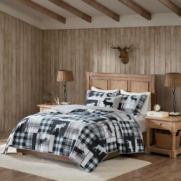 Sweetwater 4-Piece Black/Grey King/Cal King Oversized Quilt Set