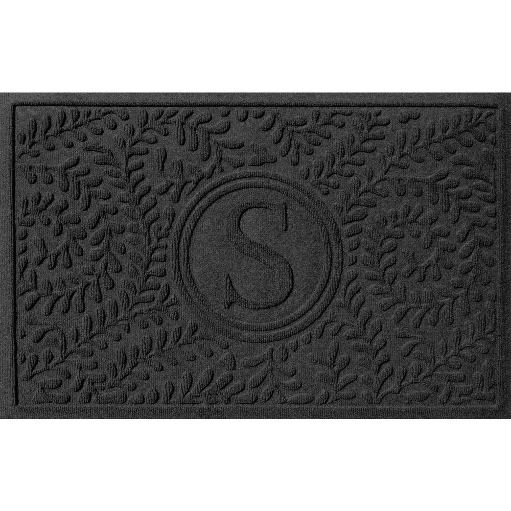 Boxwood Charcoal 24 in. x 36 in. Monogram S Door Mat