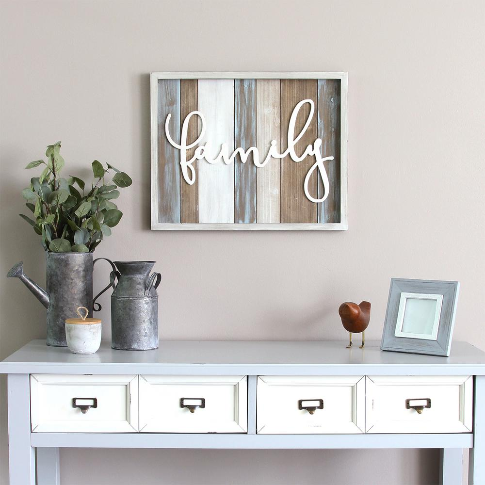 Stratton Home Decor Rustic Family