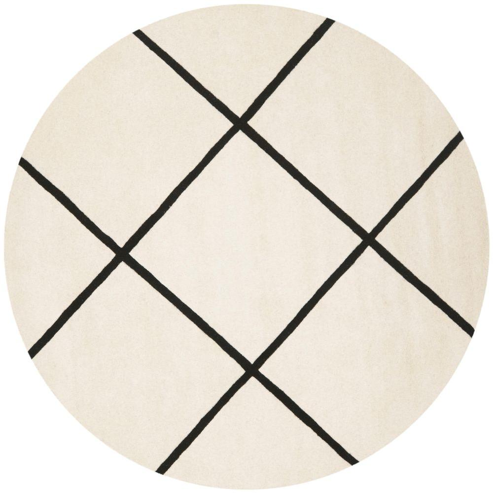 Chatham Ivory/Black 7 ft. x 7 ft. Round Area Rug
