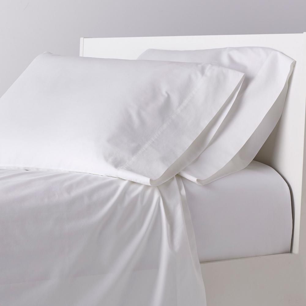TheCompanyStore The Company Store Garment-Washed 4-Piece White Solid 200 Thread Count Organic Cotton Percale Queen Sheet Set