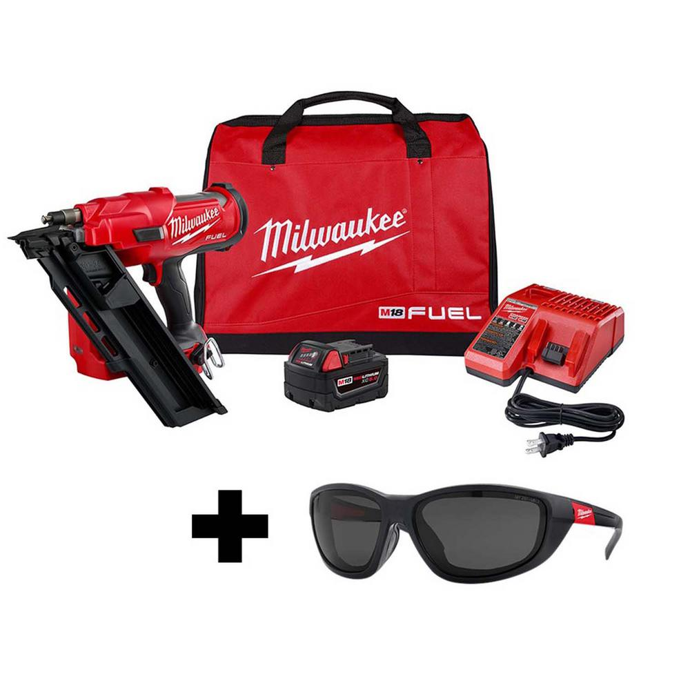 Milwaukee M18 FUEL 3-1/2 in. 18-Volt 30-Degree Lithium-Ion Brushless Cordless Framing Nailer Kit with Performance Safety Glasses