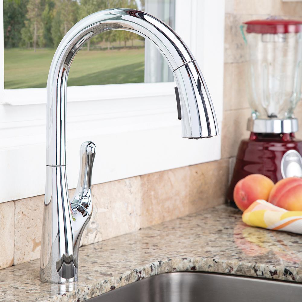 Chelsea Single-Handle Pull-Down Sprayer Kitchen Faucet in Matte Black