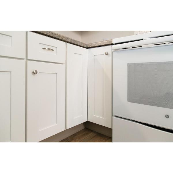 Design House Brookings Plywood Assembled Shaker 36x34 5x24 In 2 Door Lazy Susan Corner Kitchen Cabinet In White 613232 The Home Depot