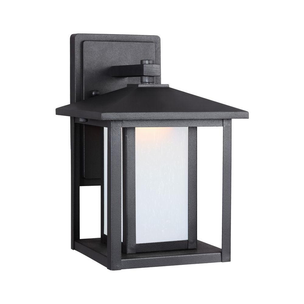 Hunnington 1-Light Black Wall Lantern