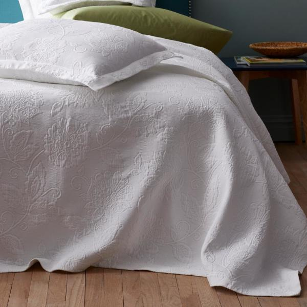 The Company Store Putnam Matelasse White Cotton King Coverlet