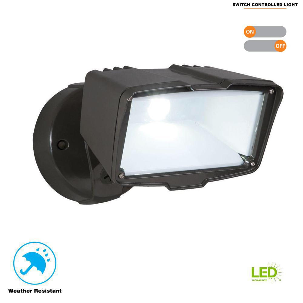 Bronze Integrated Led Outdoor Security Flood Light Switch Controlled 2100 Lumens 5000k Daylight