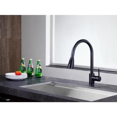 Sire Single-Handle Pull-Out Sprayer Kitchen Faucet in Oil Rubbed Bronze