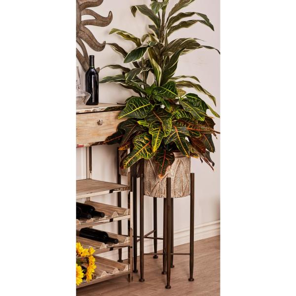 Litton Lane Gray and Silver Iron Planters with Stands (Set of