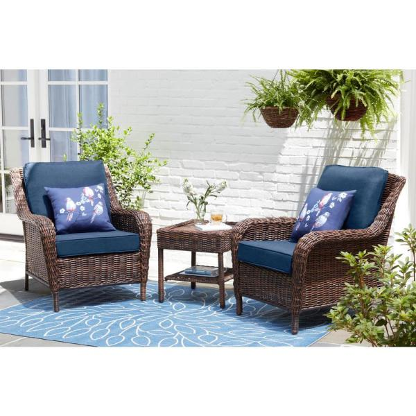 Hampton Bay Cambridge Brown Wicker Outdoor Patio Lounge Chair With Cushionguard Midnight Navy Blue Cushions 65 17148b1 The Home Depot