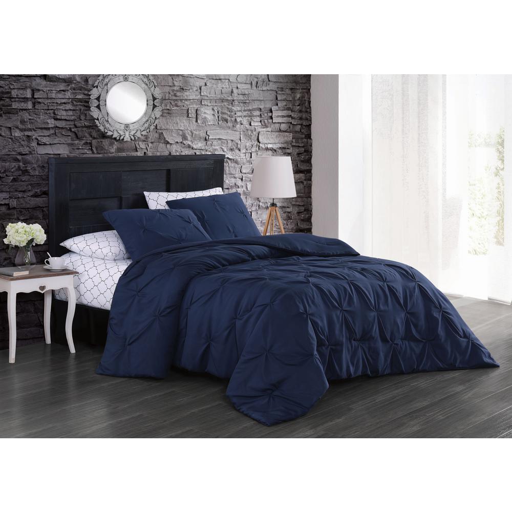 Flynn 7-Piece Navy Queen Bed in a Bag Set
