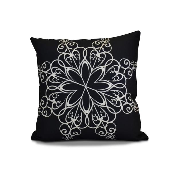 16 In Snowflake Holiday Pillow In Navy Blue Phgn681bl14 16 The