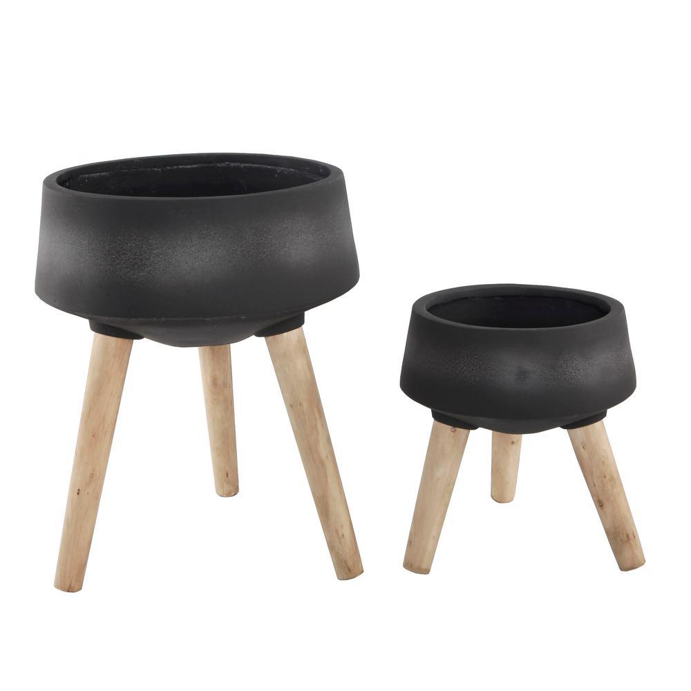 15 in. and 11.5 in. Black Fiberglass Pot on Legs Mid-Century Planter (Set of 2)