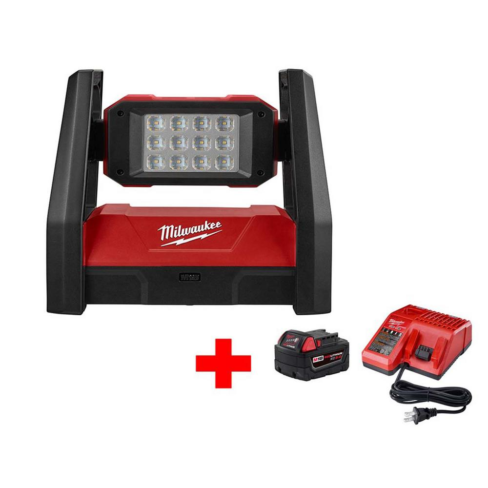 Milwaukee M18 18-Volt Lithium-Ion Cordless 3000-Lumen ROVER LED AC/DC Flood Light with Free M18 5.0Ah Battery and Charger
