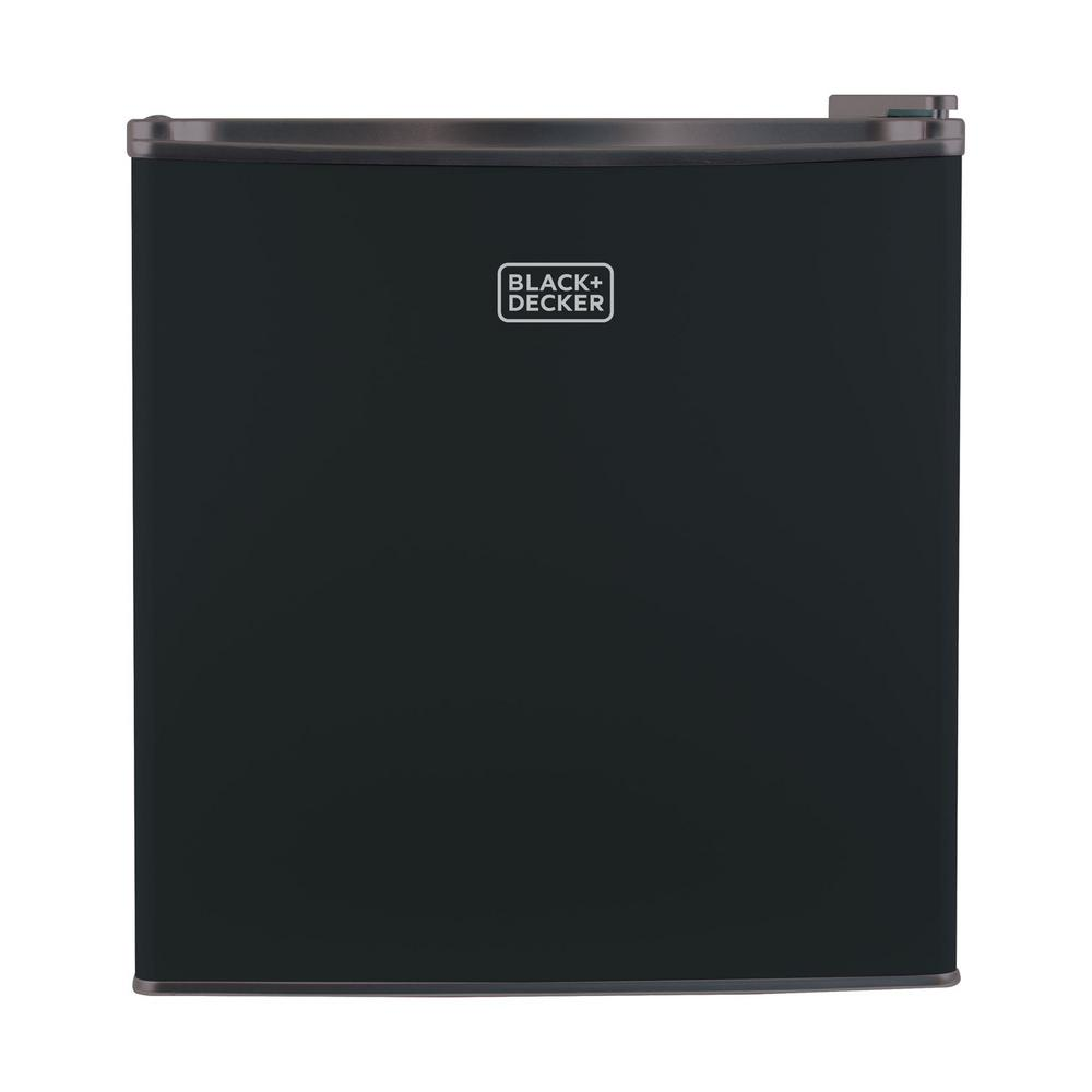 BLACK+DECKER 1 7 cu  ft  Mini Fridge in Black
