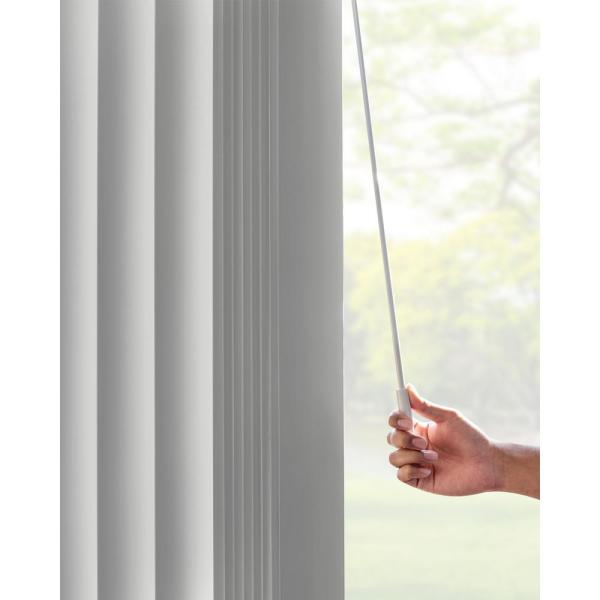 Chicology Oxford Gray Cordless Room Darkening Vinyl Vertical Blind With 3 5 In Slats 78 In W X 84 In L Vbog7884 The Home Depot