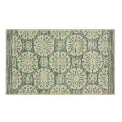 Sand Dollar Medallion Aqua 1 ft. 8 in. x 2 ft. 10 in. Accent Rug
