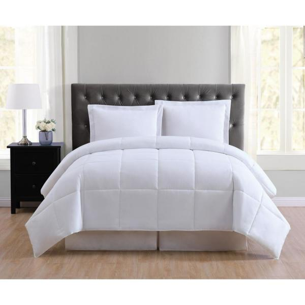 Everyday 2-Piece White Twin XL Comforter Set