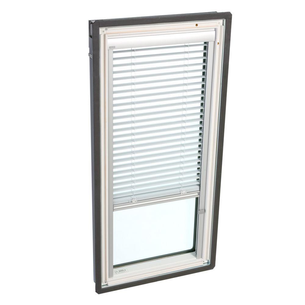 White Manually Operated Venetian Skylight Blind for FS C01 Models