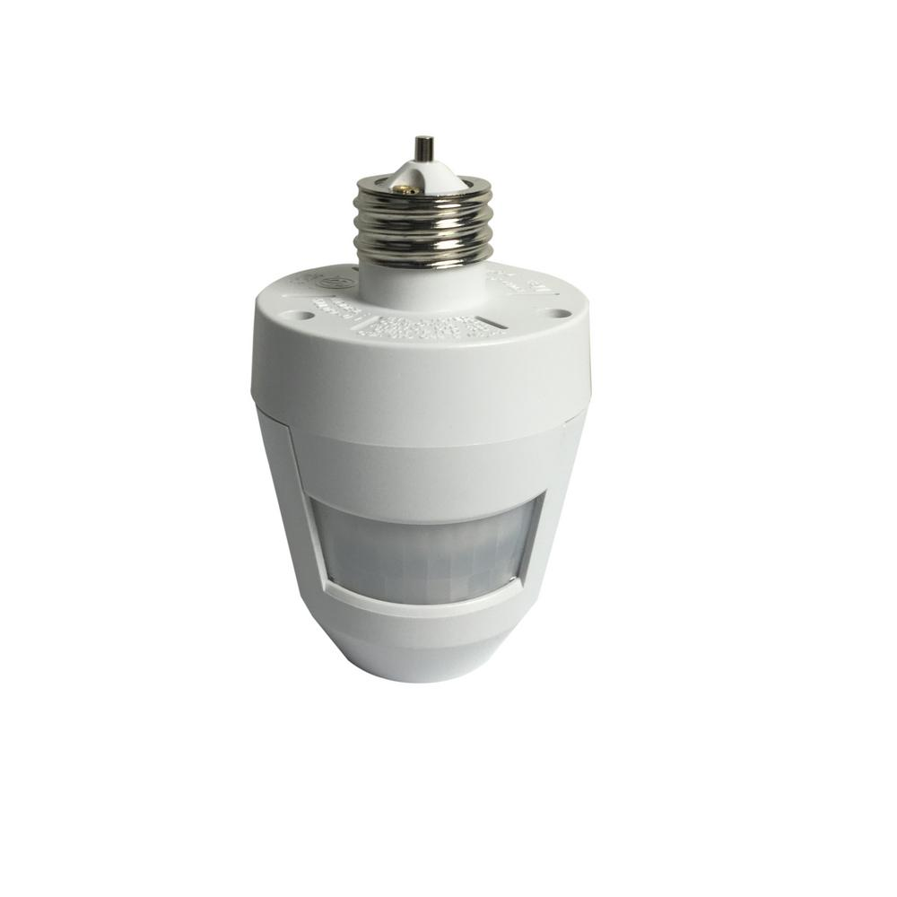 Woods 360 Degree Motion Activated Light Socket Control