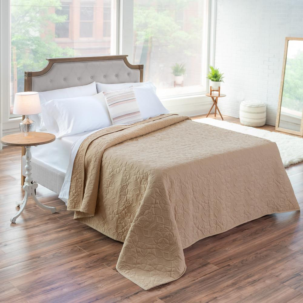WELHOME The Aidan Cotton Almond King Quilt, Brown was $200.99 now $110.54 (45.0% off)