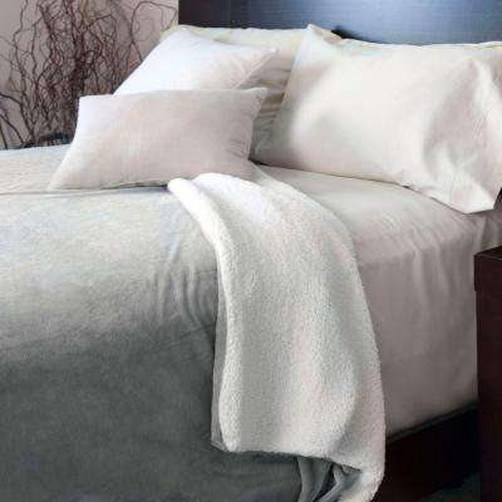 Grey Fleece/Sherpa Polyester Full/Queen Blanket