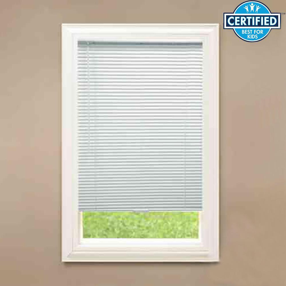 White Cordless 1 in. Room Darkening Vinyl Blind 28 in. W