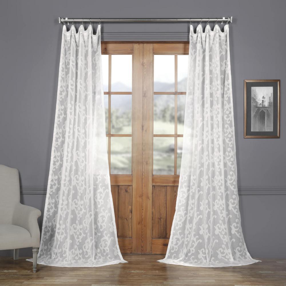 Exclusive Fabrics & Furnishings Paris Scroll White