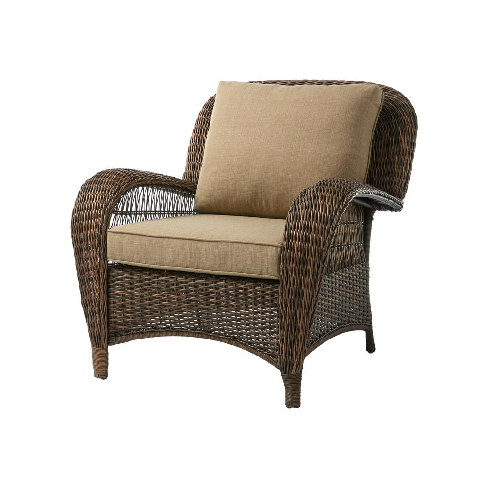 Hampton Bay Beacon Park Stationary Wicker Outdoor Lounge Chair with Toffee Cushions
