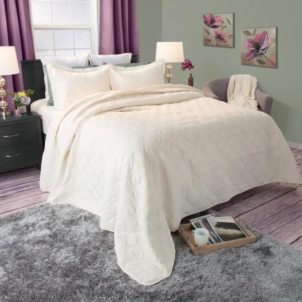 Lavish Home Andrea Embroidered Beige Polyester Full/Queen Quilt 66-10007-FQ