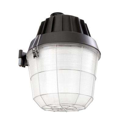 Bronze Outdoor Metal Halide Industrial Grade Area Light with Dusk to Dawn Photocell Sensor
