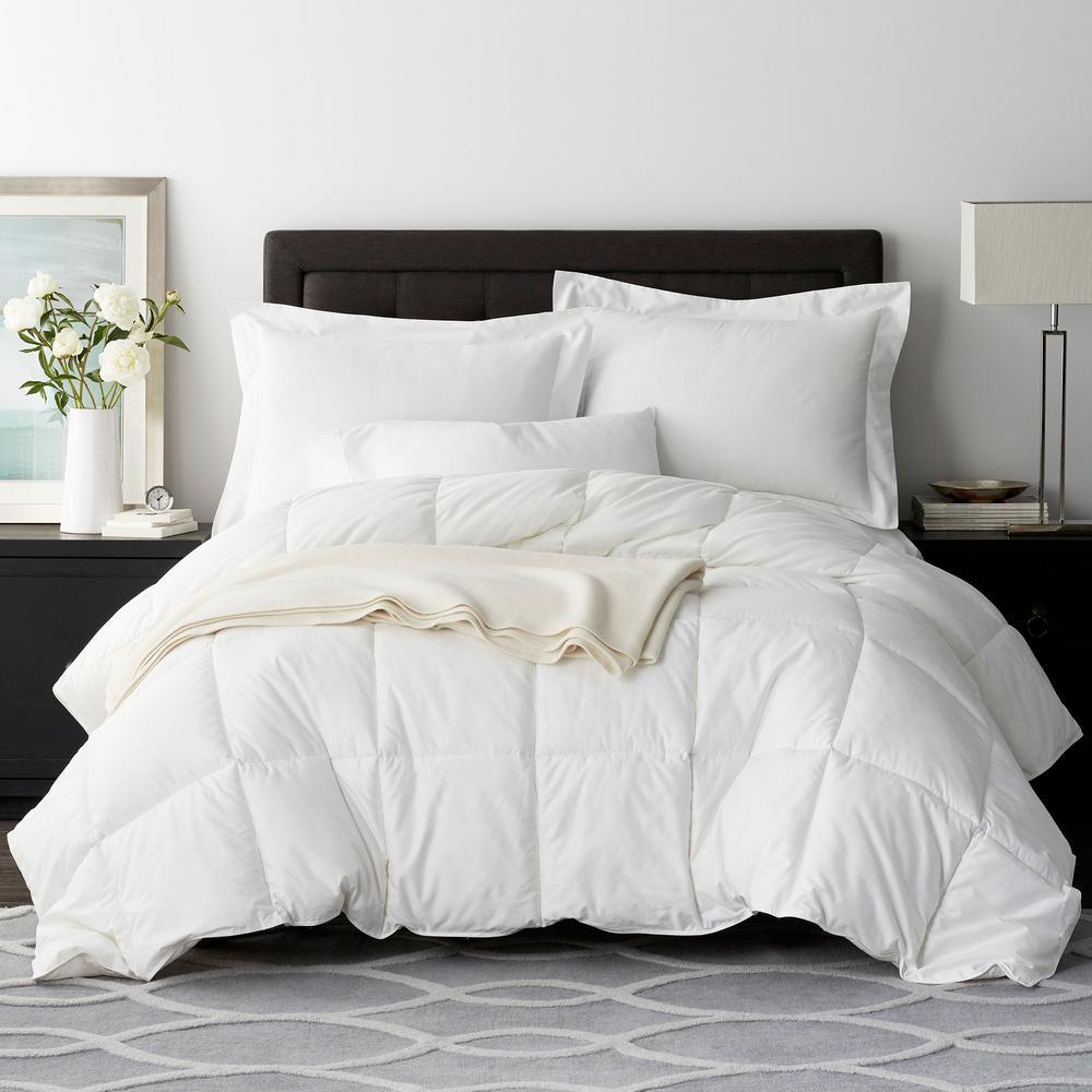 Legends Luxury Geneva PrimaLoft Deluxe Medium Warmth White Queen Down Alternative Comforter