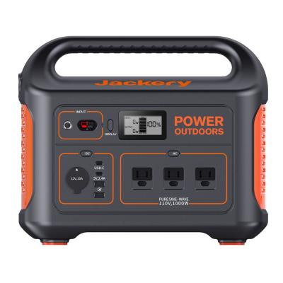 Explorer 880 Outdoor Solar Power Station, 880Wh Battery Generator for Outdoors and Emergency Use
