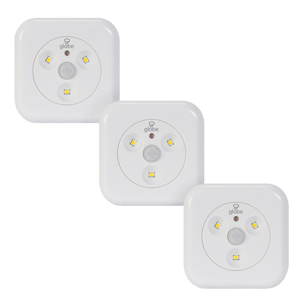 Globe Electric LED White Under Cabinet Motion Activated Puck Light (3-Pack)